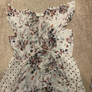 Jessica Simpson Maternity size large flowy top